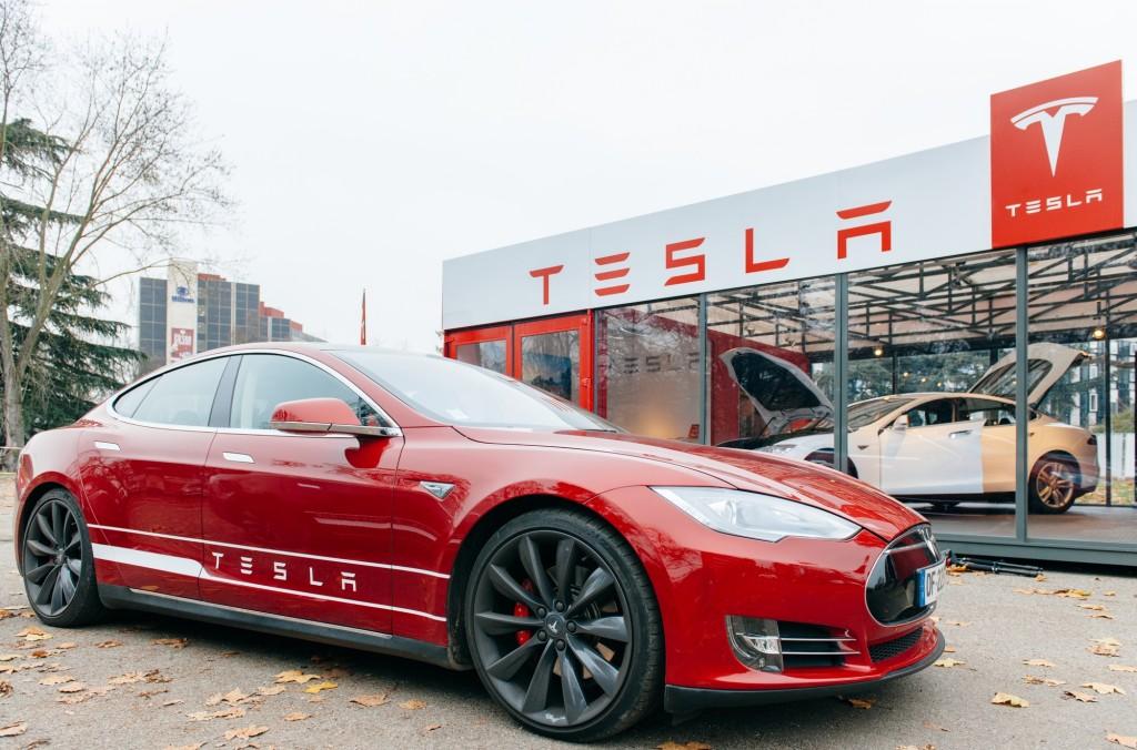 Lohnt sich jetzt die Investition in die Tesla-Aktie?